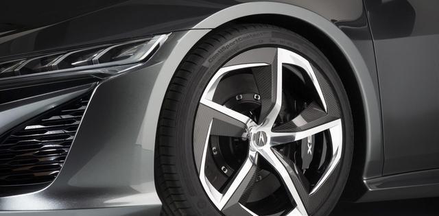 改动<em>轮胎尺寸</em>能提升抓地力,但是会伤车?