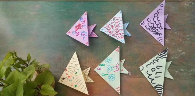 超简单折纸小鱼做法,适合幼儿园和家庭亲子手工图片