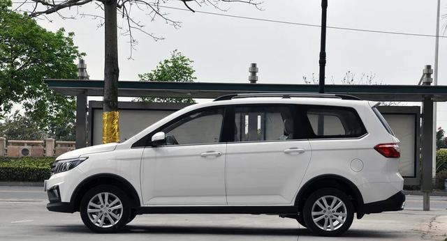 国产7座家用车_这款国产新7座mpv, 后排空间大如床, 6万-新浪汽车