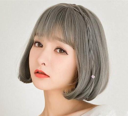 短发亚麻色头发图片 染过的妹子都说好看图片