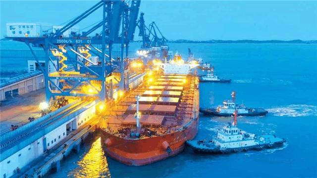 中国用小港口助小国脱贫,今成地中海最大港口,民众:感激中国