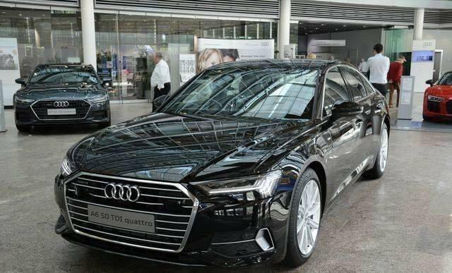 全新一代奥迪A6实车再曝,科技感胜奔驰E级,多色氛围灯老司机秒懂