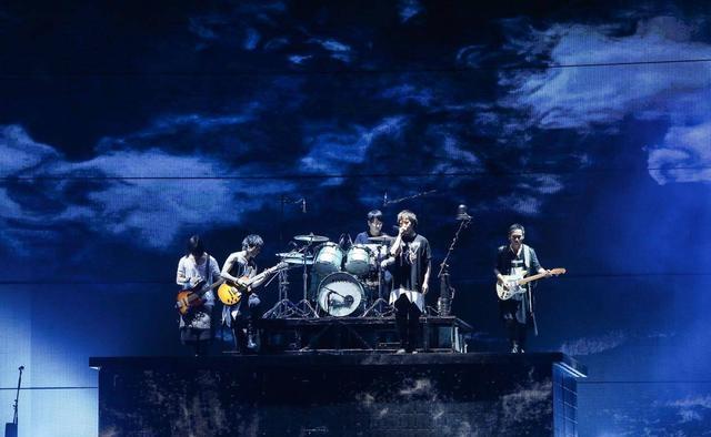 """有一种温暖的感动叫""""五月天"""" 全球巡演第99场燃炸上海"""