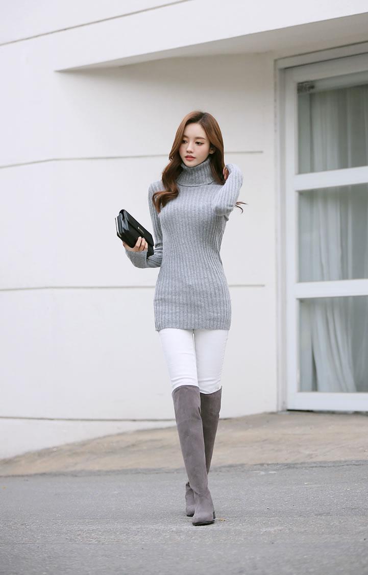 孙允珠初冬高领长款针织衫配长靴