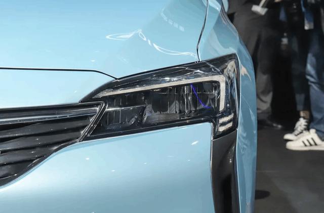 别克首款纯电动轿车曝光,叫板特斯拉比亚迪!