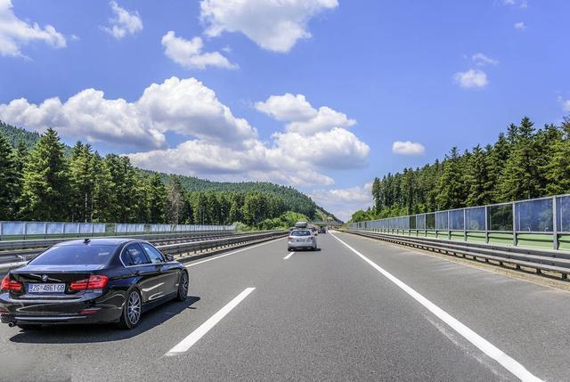 除这5类车辆外, 端午节其他车上高速都不免费! 新手司机一定要听