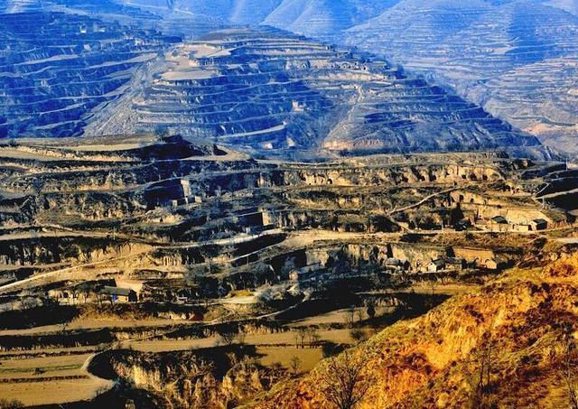 """我国下一个""""石油之城"""",拥有50亿吨石油,新增两个亿吨级油田"""