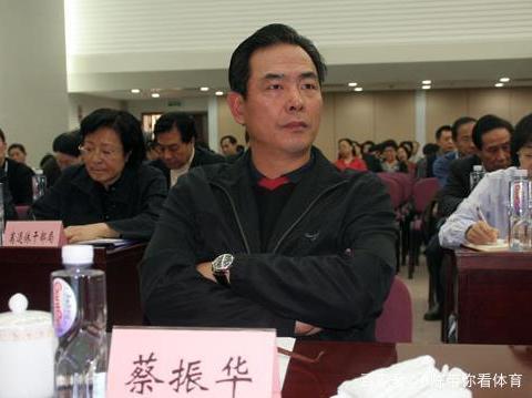 乒协主席最佳人选?不是刘国梁,不是王励勤,而是娶女弟子的他!