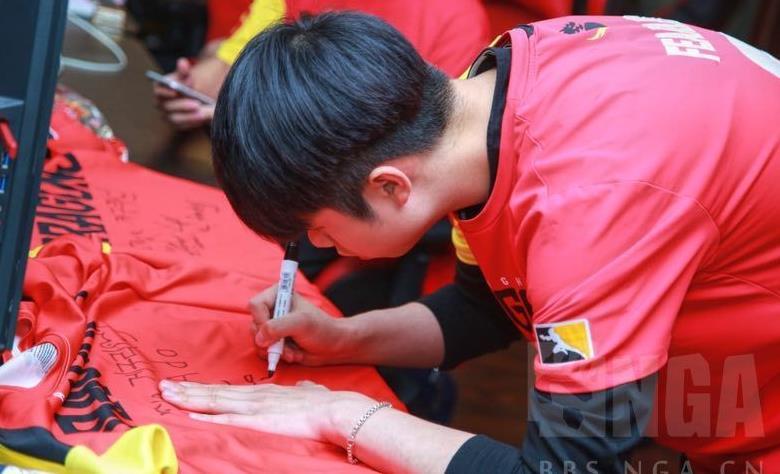 ChinaJoy:上海龙之队CJ之行,陈昭宇是不是胖了