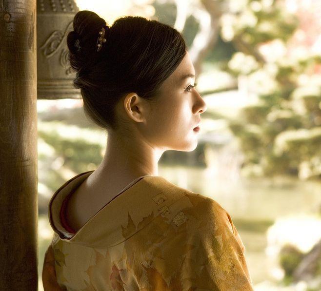 日本颜面乘骑_二战后日本成立特需慰问机构, 15万日本女子慰安35万