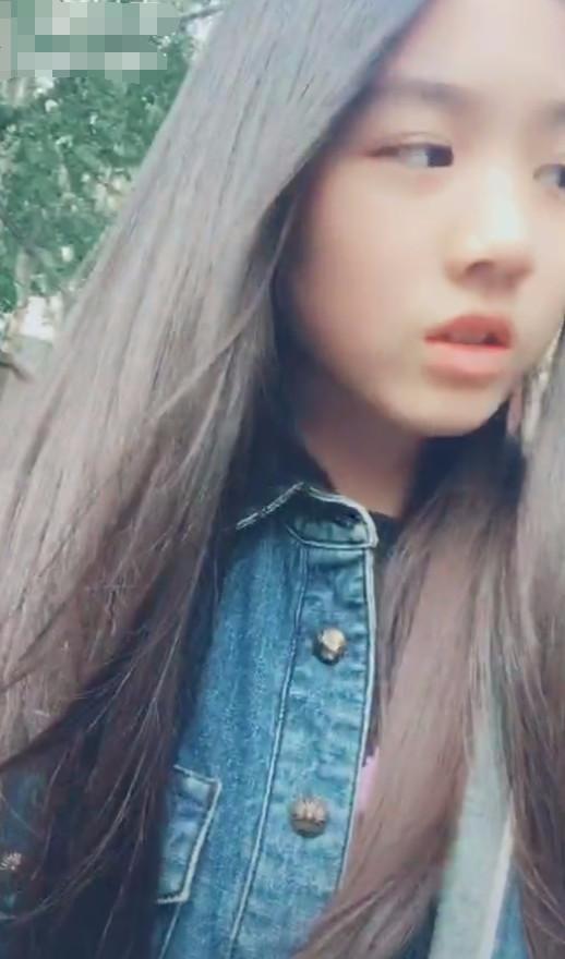 汪峰女儿小苹果换发型后,被指长得像男歌手霍尊,回5字图片
