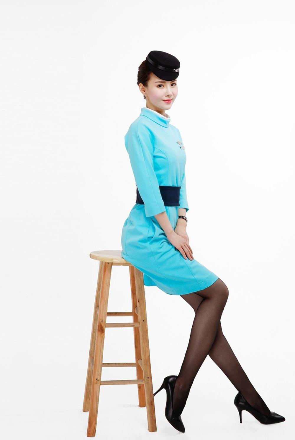 厦门航空空姐制服照,看看厦航空姐的惊艳,优雅端庄的坐姿,摄影:风中的