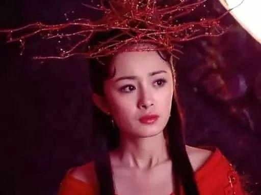 细数杨幂红衣古装造型,雪见穿越扶摇妩媚,白浅最别致!