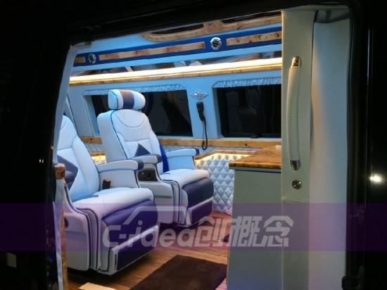 福特e350改装商务座舱,桃木内饰尽显豪华!