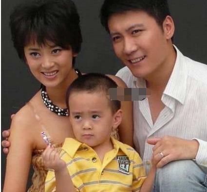 43岁谢润和梅婷刘琳是闺蜜,与丈夫因戏结缘,一家三口颜值高