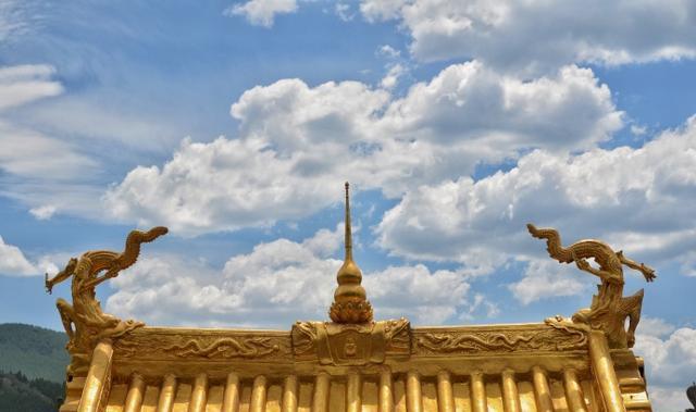 去五台山旅游, 不得不去的显通寺铜殿