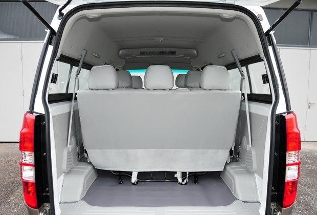 海狮x30l车内空间尺寸怎么样试驾加长版对比五菱