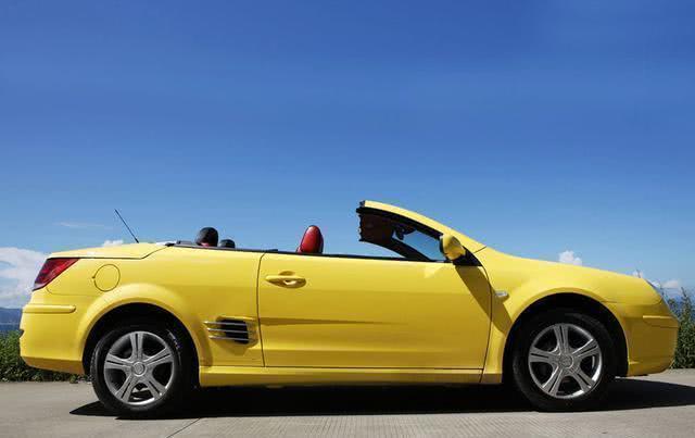 国产第一款敞篷跑车16万,爱面子国人不买账,车主:好歹是辆跑车