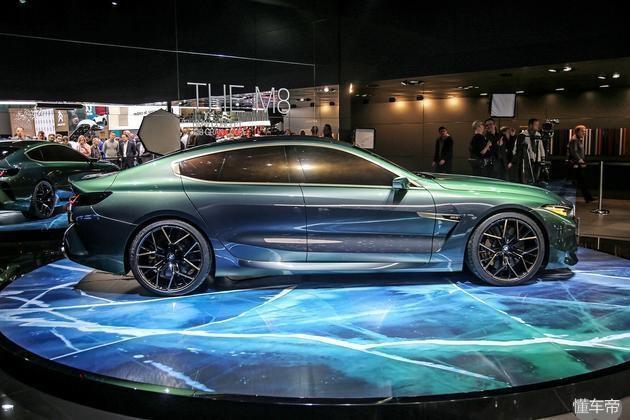 宝马轿跑靠它翻身,7系平台打造,4.4L+V8动力不怂AMG