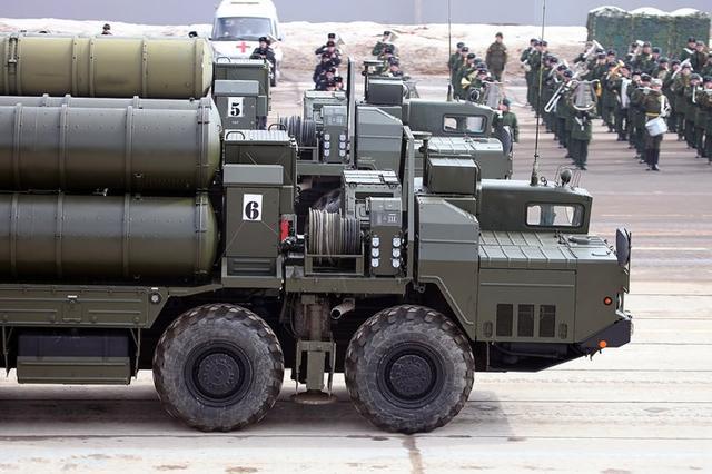 关键时辰俄罗斯送上妙计,印度发起强硬还击!特朗普:必需制裁
