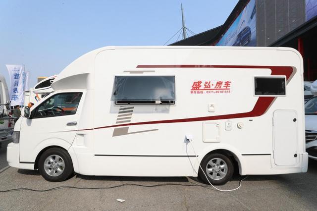 华晨房车HC系列新款大海狮汽油自动挡房车 47.58万元