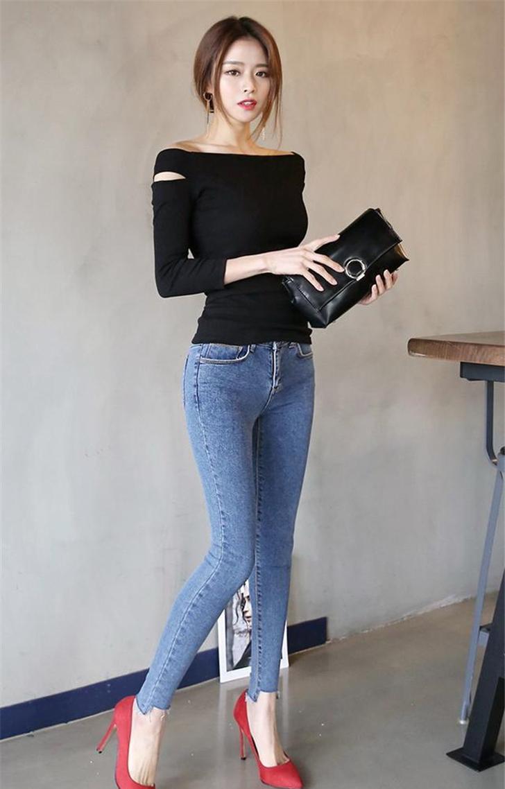 紧身牛仔裤_性感的紧身牛仔裤, 穿出属于女人的纤腰丰臀
