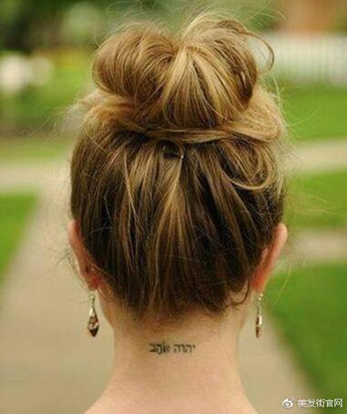 但是苹果头的小苹果是顶在头顶的,更加的俏皮可爱.图片