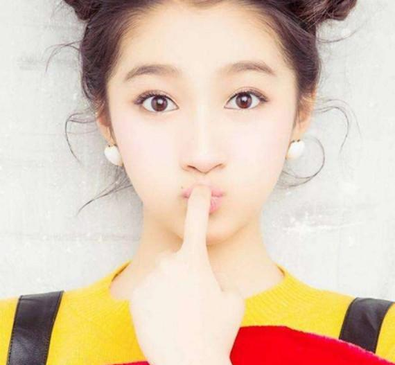 七位女明星嘟图片,热巴俏皮,赵丽颖可爱,第一位难以模仿!