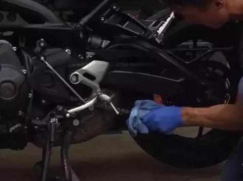 会保养汽车就会保养摩托吗?修车师傅:主要就看摩托保养三大件