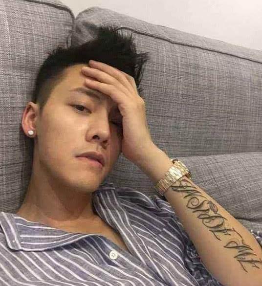 明星纹身,陈伟霆很帅,岳云鹏最奇葩,只有她最让人心疼图片