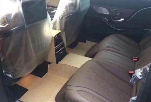这辆奔驰迈巴赫S450是南京的一位富商花了165万入手的