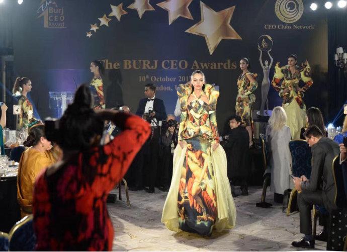 东方的服装设计师获西方大奖