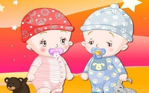 医生称腹中双胞胎可能畸形, 妈妈坚持要生, 两宝宝出生家人落泪图片