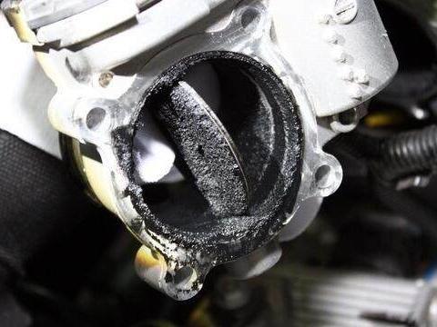 汽车<em>燃烧室</em>积碳成因有哪些?平时开车应该怎样预防,消除司机烦恼