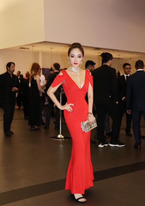 秦雅思Maggie Qin荣获国外两大电影节双料影后获表彰