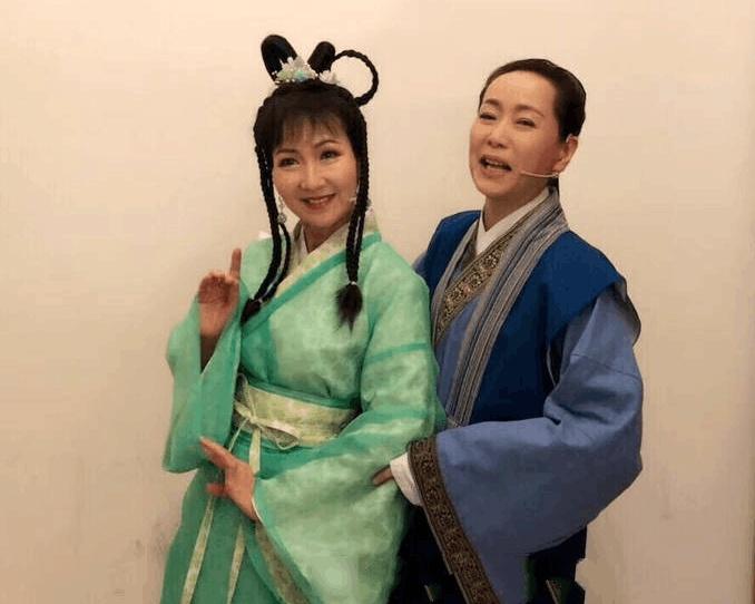《新白娘子》3大主演26年后重聚,她比赵雅芝小