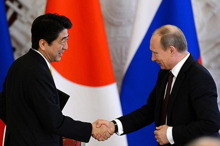 日本、俄罗斯疯狂抛售美债,中国却接盘85亿?美国:受宠若惊!