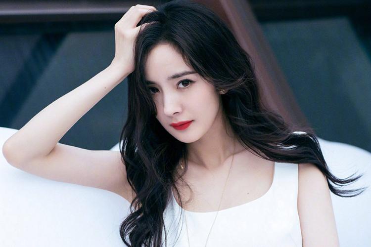 yinsewuyutian_娱讯:五月天玛莎妻子诞下龙凤胎|戚薇双马尾|大张伟鞠萍姐姐