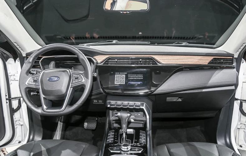 福特全新SUV震撼来袭,搭载1.5T+CVT,网友:福特终于觉醒了!