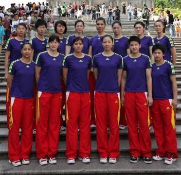 中国女排一个习惯保持多年!郎平抵达澳门表示:塞尔维亚真是强大