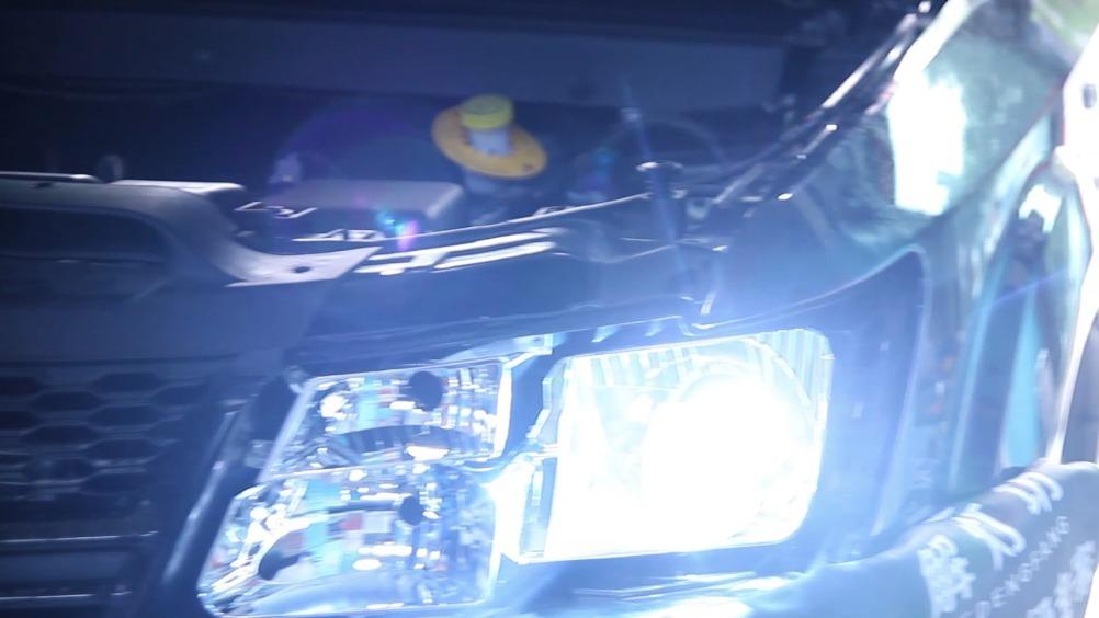 道奇 酷威改装氙气大灯加装双光透镜光轴和光点完美优化高级玩家北京改灯解灯...
