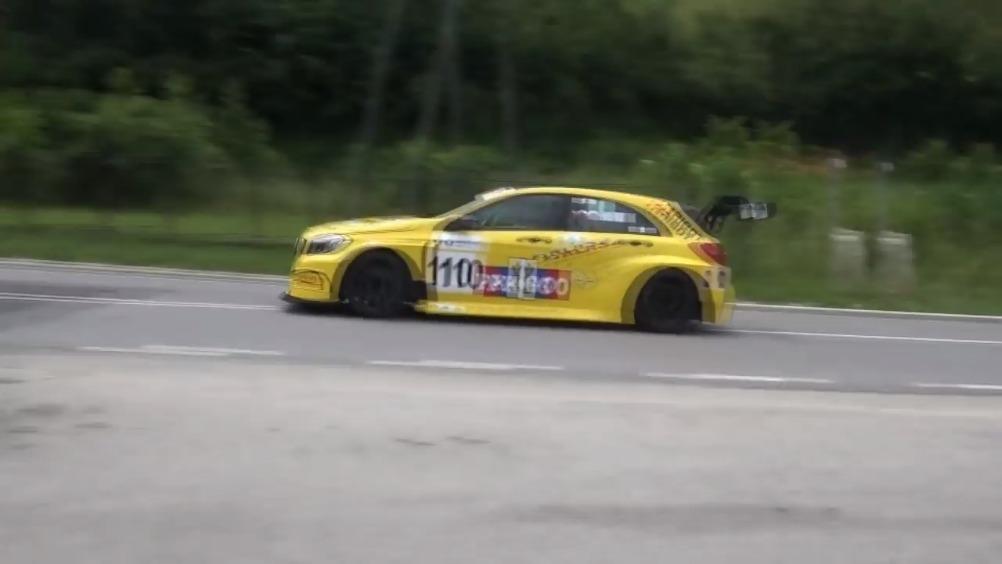 奔驰 A45 AMG TCR || 350马力的爬山猛兽!  汽车世界杯...