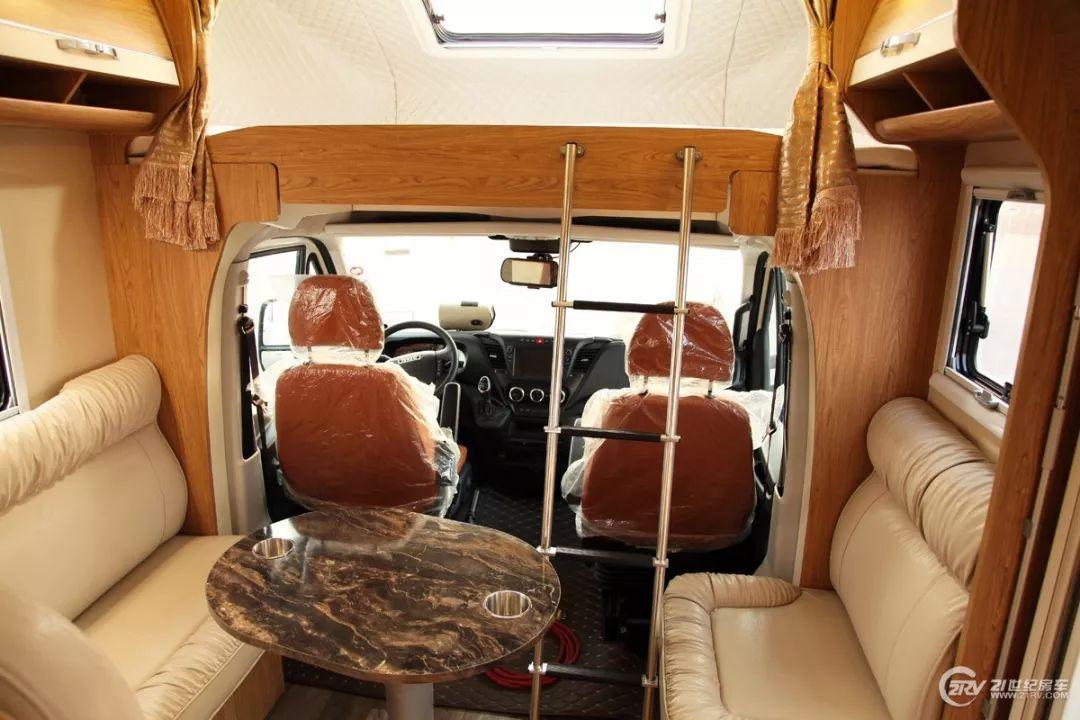 这辆房车竟有如此少见的配置 亚特NewDaily风尚后拓展实拍