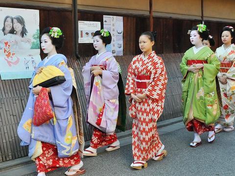 去日本旅游千万别盯着艺伎拍照,何况你遇上的还可能是个冒牌货!