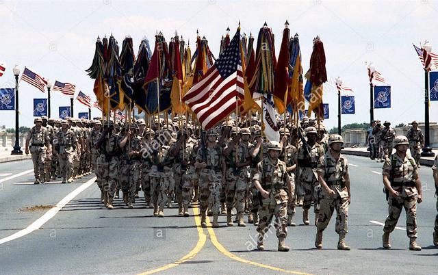 还敢说美国从来不阅兵?1991年大阅兵发来贺电:我第一个不服!