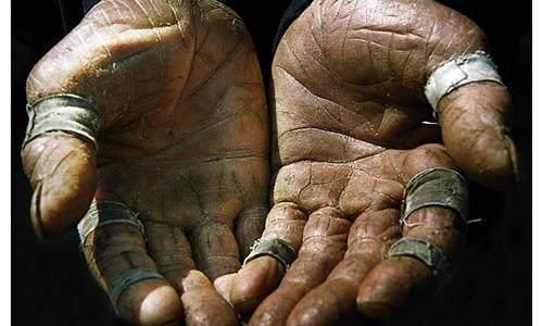 他们成就了玉石的温润却粗糙了双手