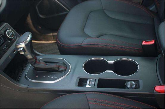 机械手刹与电子手刹有何不同?哪个更安全?