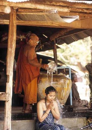 """印度人:黄金这么低廉,为啥中国游者不买进?就中缘由让人""""恶行心"""""""