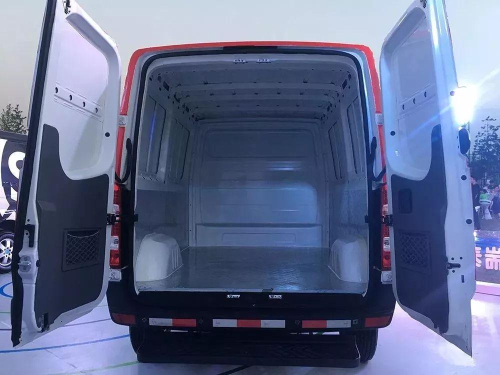 仅需1毛/公里 新能源物流车好帮手 东风瑞泰特EM30-RTT上市
