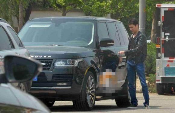 弃商从艺只是为了零花钱,身家近10亿娶妻赵丽颖,他们都开什么车